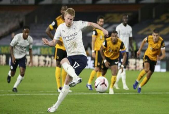 Gol penalti Kevin de Bruyne membuka kemenangan Manchester City atas Wolverhampton Wanderers.