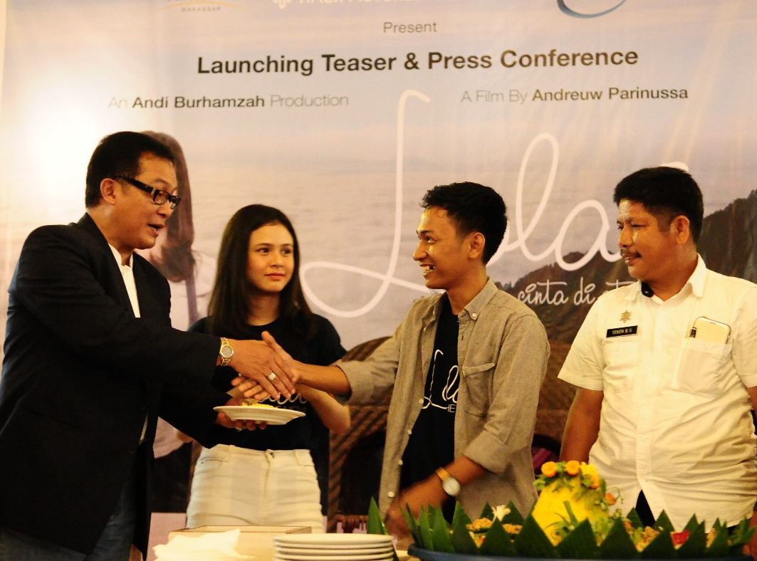 Santo Kadarusman, PR Marketing PT Singa Mas Indonesia saat launching Teaser dan press conference