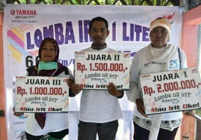 Para pemenang Lomba Irit 1 Liter Mio S Dumai-Pakning.