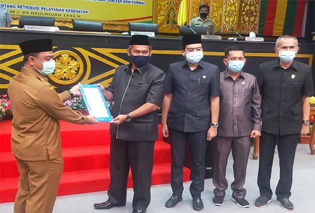 Pemko Pekanbaru menyerahkan dua Ranperda ke DPRD Pekanbaru.