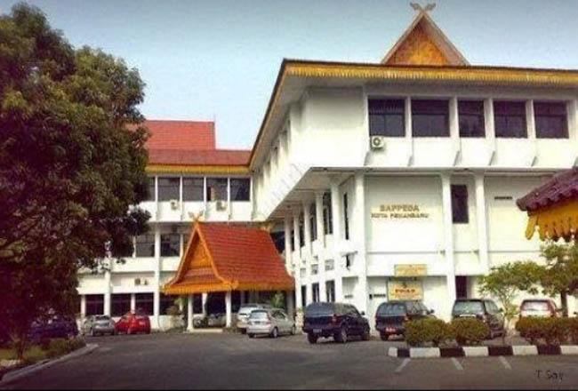 Eks gedung Bappeda Pekanbaru.