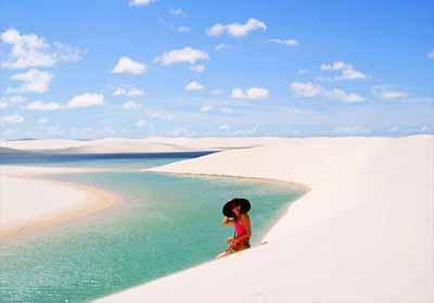 Laguna cantik di Brazil yang muncul di waktu tertentu saja. FOTO:  Pinterest/misteraladin