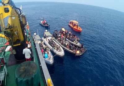Satu Penyelam Meninggal Dunia Saat Proses Pencarian Lion Air Proses pencarian korban dan body part Lion Air. Foto Detik