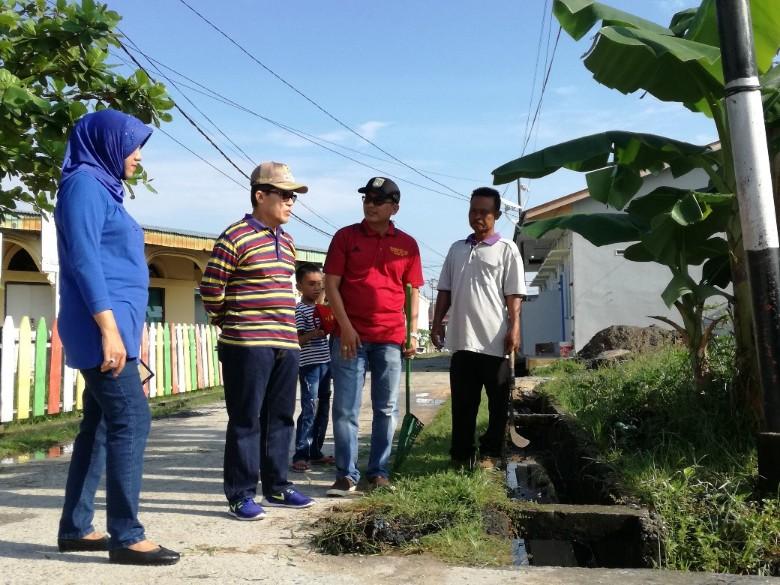 Walikota Dumai Drs H Zulkifli AS MSi saat memimpin Goro di Kelurahan Bumi Ayu Kota Dumai baru-baru ini.