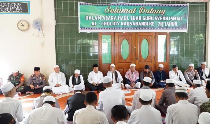 Bupati Sukiman, hadiiri Haul Syekh Ismail ke-71, di Surau Gading, Kecamatan Rambah Samo.