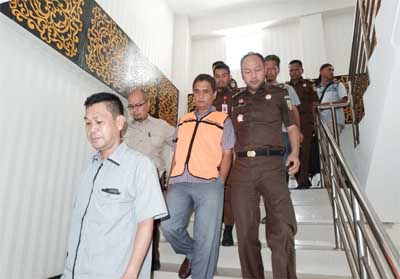Direktur Utama PT Sabar Jaya Karyatama Sabar Jasman (SJ) ditahan Kejari Pekanbaru.