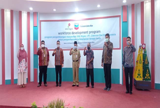 Peluncuran program pengembangan keterampilan tenaga kerja (Workforce Development Program), Senin (22/3/2021) di Auditorium Politeknik Caltex Riau (PCR).