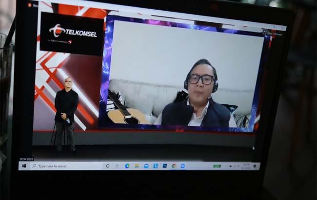 Vice President Corporate Communications Telkomsel Denny Abidin saat memaparkan program Digital Creative Millennials 2020 yang di hadirkan Telkomsel merupakan program berbasis digital sebagai wadah untuk memacu kewirausahaan di segmen youth atau millennial di Jakarta, Rabu (28/10/2020).