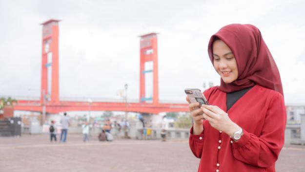 Peringatan Hari Kemerdekaan ke-75 Republik Indonesia dimaknai Telkomsel untuk terus berkontribusi bagi kemajuan negeri melalui pemanfaatan seluruh aset dan nilai perusahaan.