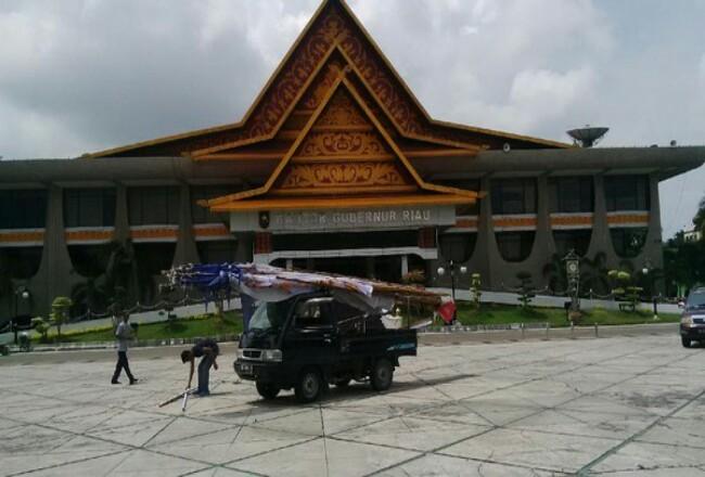 Kantor Gubernur Riau.