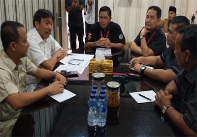 Komisi I DPRD Kota Pekanbaru untuk mendatangi Kantor Direktorat Reserse Narkoba Polda Riau