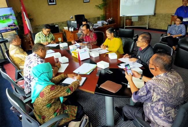 Bupati Suyatno mengunjungi Kementerian Pariwisata dan Ekonomi Kreatif.