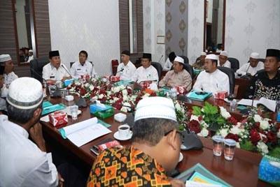 Bupati Rohul H Sukiman didampingi Sekda Abdul Haris dan Kakan Kemenag Rohiul, membuka Musda III IPHI Rohul, akhirnya terpilih Fatahnalia Putra sebagai ketua IPHI Rohul masa khidmat 2019- 2024.