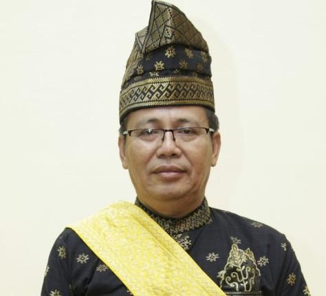 Ketua Umum Dewan Pimpinan Harian (DPH) LAMR Datuk Seri Syahril Abubakar