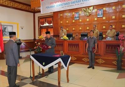 Pelantikan Jamaluddin sebagai Penjabat Sekretaris Daerah Kabupaten Siak.