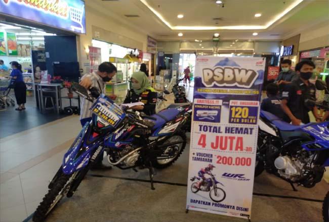Yamaha gelar pameran di Mal Pekanbaru.