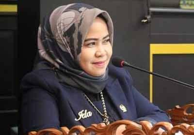 Ida Yulita Susanti SH, anggota DPRD Kota Pekanbaru dari fraksi Golkar.