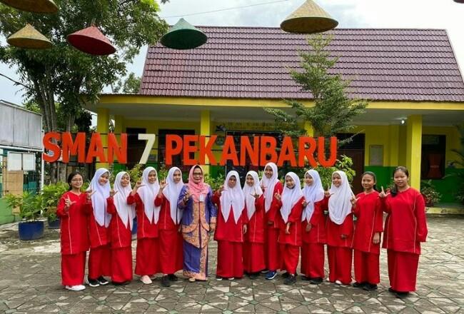 SMAN 7 Pekanbaru.