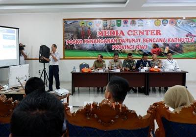 Rapat penanggulangan Kebakaran Hutan dan Lahan (Karhutla) di Provinsi Riau