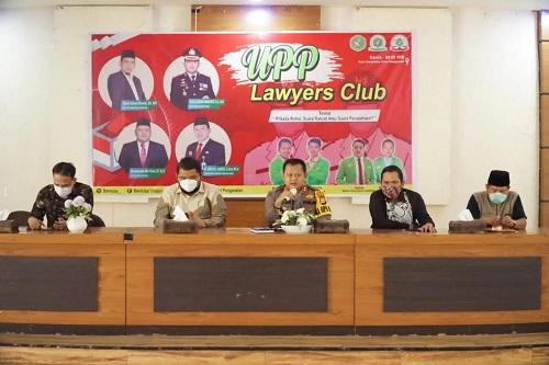 Kapolres, Ketua DPRD dan Ketua KPU, saat menjadi Narasumber di UPP Lawyers Club.