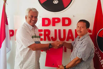 Zulkarnain Kadir mendaftarkan dirinya sebagai Calon Bupati Indragiri Hulu (Inhu) untuk Pilkada 2020 mendatang.