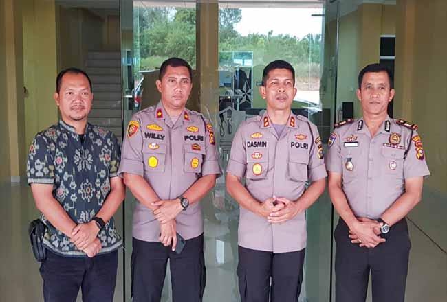 Kapolres Rohul, Wakapolres, Kasat Intel dan Kasat Binmas foto bersama usai kegiatan.