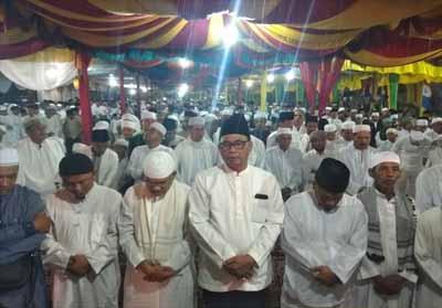 Bupati Rohil Suyatno menghadiri Atip Togak, Kenduri Besar dan Istighosah Qubro.