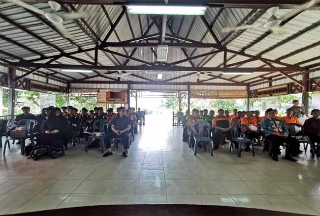 Pelepasan siswa magang dilakukan di Balai Pelatihan dan Pengembangan Usaha Terpadu (BPPUT), Pangkalan Kerinci.