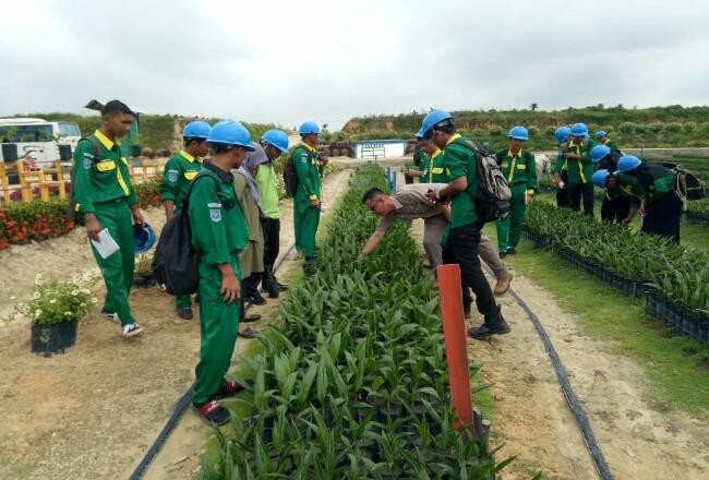 Program Sekolah Sawit Lestari oleh Asian Agri.