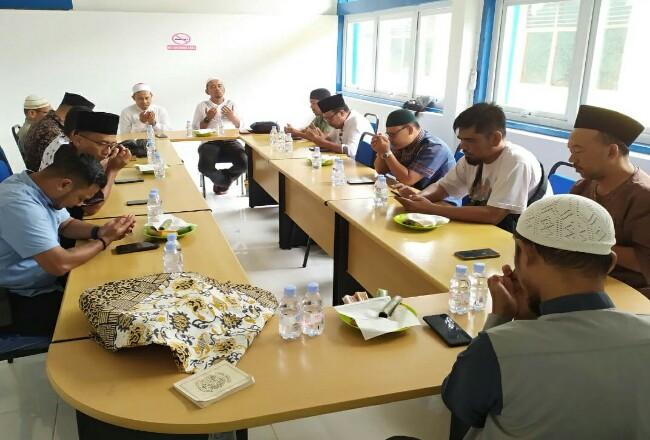 Tahlilan dan pembacaan doa untuk almarhum Mazwin digelar PWI Bengkalis.