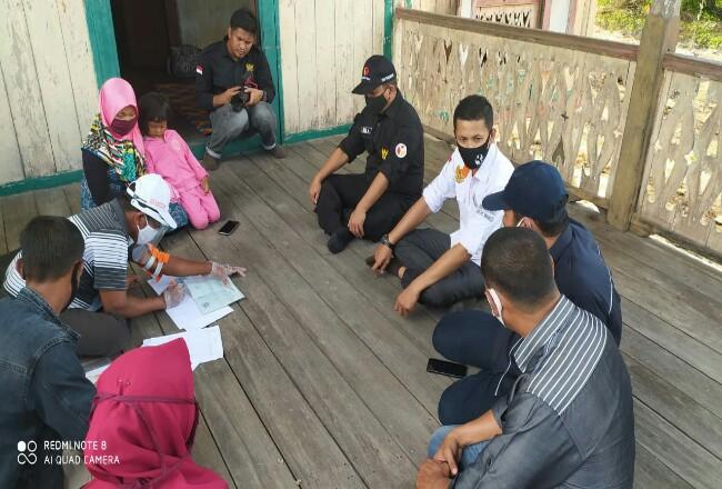 Bawaslu sedang melakukan pengawasan Proses pelaksanaan Pencocokan dan penelitian (Coklit) daftar pemilih Pilkada Kepulauan Meranti tahun 2020 yang dilakukan oleh Petugas Data Pemilih (PPDP).
