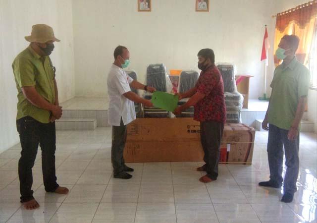 Bantuan RAPP ke Sekolah dan Desa di Pulau Padang.