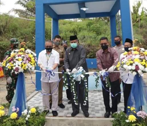 Bupati Siak hadiri peresmian dan serah terima bantuan untuk warga Dusun Lukut, Kampung Minas Timur