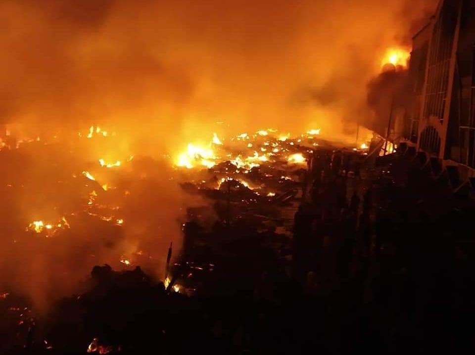 Kondisi kebakaran pada saat api membesar sekitar pukul 2:30 Wib