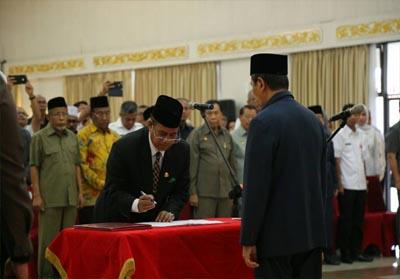 Pelantikan Ahmad Syah Harofie sebagai Penjabat (Pj) Sekretaris Daerah Provinsi (Sekdaprov) Riau.