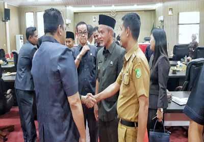 Rapat Paripurna DPRD Meranti penetapan pimpinan DPRD dan pembentukan fraksi.