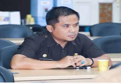 Plt  Kadiskominfo Pelalawan Hendry Gunawan