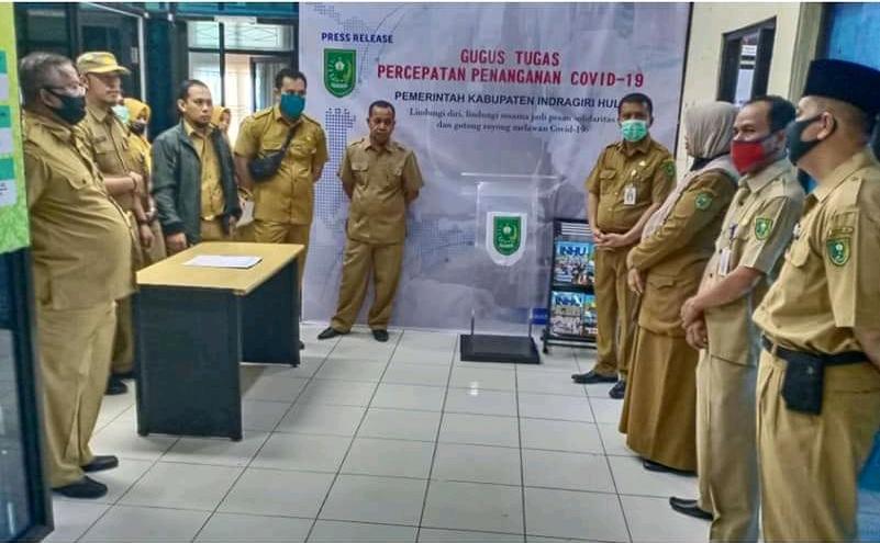 Inspeksi mendadak (sidak) oleh Sekda Inhu Ir. Hendrizal MSi ke sejumlah Organisasi Perangkat Daerah (OPD), kantor kecamatan, dan kantor kelurahan.