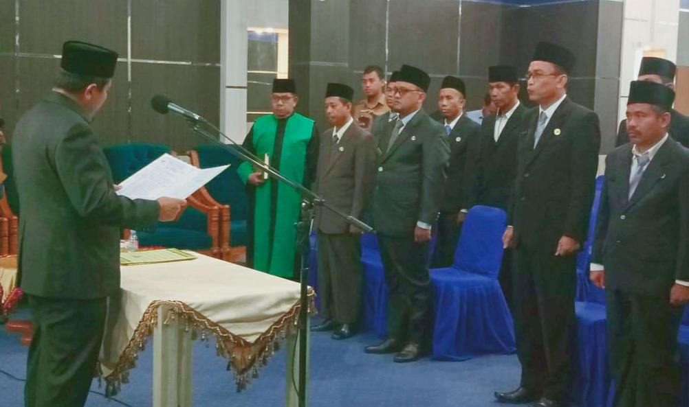 Sekda Rohul Abdul Haris melantik dan mengambil sumpah jabatan, 14 Pejabat Eselon III dan IV di Lingkungan Disdukcapil Rohul