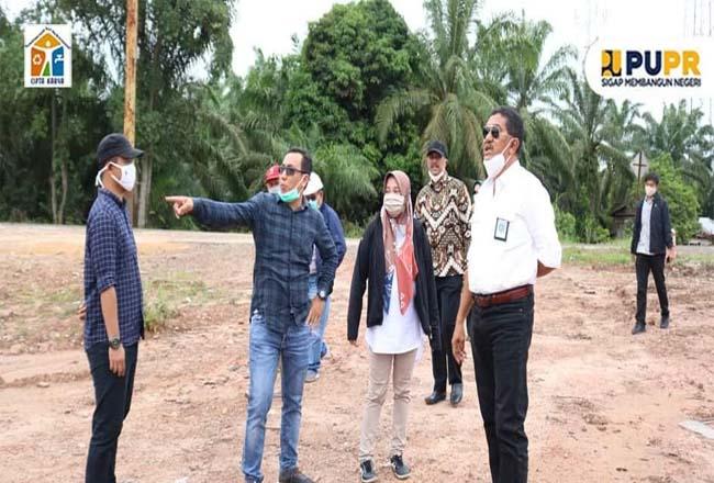 Kepala Balai PPW Riau Ichwanul Ihsan saat Monev Optimalisasi SPAM Kota Dumai.