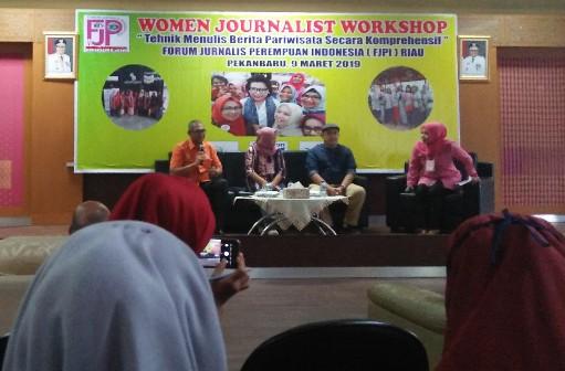 Workshop FJPI di Kantor Dinas Pariwisata Provinsi Riau, Sabtu (9/3/2019).