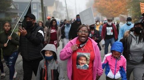 Demo protes penembakan pria kulit hitam.
