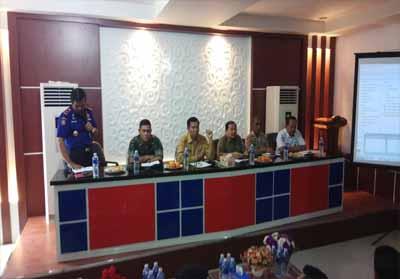 Rapat penanggulangan bencana kabut asap di Kantor Dinas Pemadam Kebakaran dan Penyelamatan (DPKP) Kota Pekanbaru, Senin (26/8/2019).