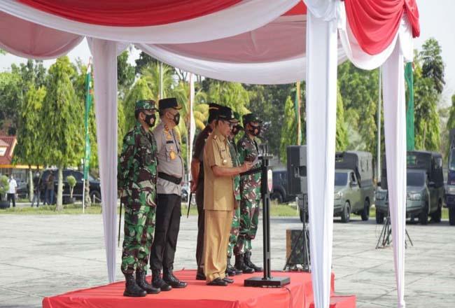 Gubri Syamsuar saat apel kesiapsiagaan karhutla, Selasa (16/3/2021).