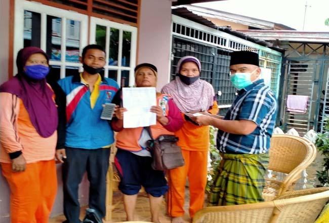 Eks THL DLHK Pekanbaru datangi kediaman Ketua Komisi I DPRD Kota Pekanbaru Doni Saputra SH.