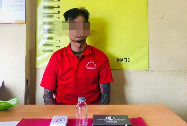 Tersangka pemilik 2,97 gram sabu ditangkap pesonel Satreskrim Polres Rohul.