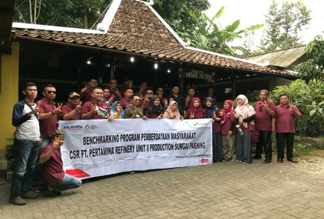 Kelompok masyarakatKecamatan Bukit Batu binaanPertamina RU II Benchmarking keYogyakarta.