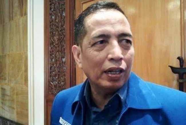Wakil Ketua DPRD Riau Asri Auzar.