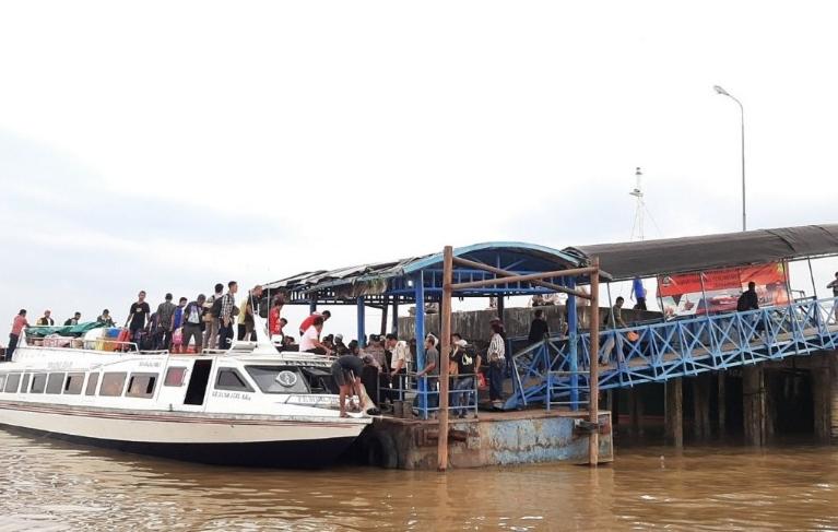 Situasi arus mudik Pelabuhan Pelindo (Batam-Tembilahan, Tembilahan-Batam).