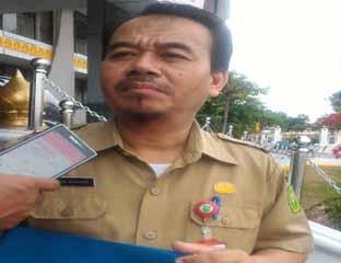 Kepala Dinas Perkebunan Provinsi Riau Muhibul Basyar. Foto: yohana